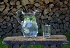 Citrónová šťava http://www.sikovnamamina.sk/pitny-rezim-horucava/