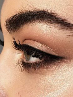 bold brows + eyeliner | natural makeup ideas