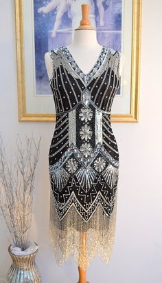 Hey, I found this really awesome Etsy listing at https://www.etsy.com/listing/211855637/1920s-style-black-silver-beaded