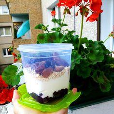 Nati jest fit!: 8 pomysłów na zdrowe drugie śniadanie do szkoły / pracy Lunch Box, Pudding, Chicken, Desserts, Food, Diet, Tailgate Desserts, Deserts, Puddings
