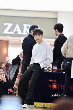 Kim Hanbin Ikon, Ikon Kpop, Ikon Leader, Yg Trainee, I Miss Him, Yg Entertainment, Handsome Boys, Boyfriend Material, K Idols