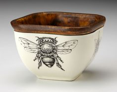 Small Square Bowl: Honey Bee - Laura Zindel Design