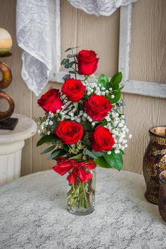 Send Half Dozen Roses in Cleburne, TX from Fountain Designs, the best florist in Cleburne. All flowers are hand delivered and Valentine's Day Flower Arrangements, Flower Bouquet Diy, Hyacinth Flowers, Fountain Design, Valentines Flowers, Same Day Flower Delivery, Paper Flowers, Sugar Flowers, Fresh Flowers