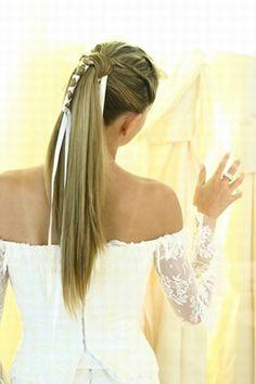 Wedding hairstyles for long hair © Saint Algue