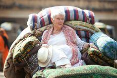 """- Marigold Hotel -  Protagonisti del film sono un gruppo di simpatici inglesi che si trovano a far fronte alle difficoltà economiche, sociali e sanitarie che l'incalzante vita occidentale sempre più spesso impone. La #fuga in un """"paradisiaco"""" resort indiano, apparsa inizialmente come la panacea di tutti i mali, li lascerà in realtà nudi di fronte a loro stessi..."""