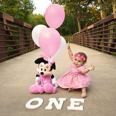 Minnie Mouse pink and gold tutu outfit,Pink and Gold Minnie Mouse tutu set,Minnie Mouse Birthday outfit,Disneyland Outfit Minnie Mouse Birthday Decorations, Minnie Mouse First Birthday, Baby Girl First Birthday, Mickey Mouse Birthday, Minnie Mouse Party, 1st Birthday Pictures, Birthday Ideas, Cake Birthday, Birthday Quotes