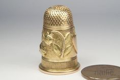 FINE-QUALITY-ANTIQUE-14-CARAT-ROSE-amp-YELLOW-GOLD-LOVE-TOKEN-THIMBLE-c1820
