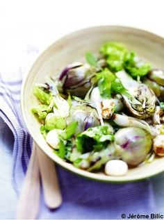 Salade de petits artichauts