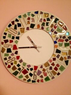 Mosaic Clock Mosaic Artwork, Mirror Mosaic, Mandala, Wall Watch, Mosaic Madness, Old Clocks, Diy Clock, Mosaic Crafts, Fused Glass Art