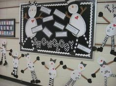 How stinkin' cute is this winter bulletin board {and snowman/woman glyph crafts} from first grade teacher and creator of the site, Glyph Girls, Kelley Smith?! What a fabulously fun way to herald in...