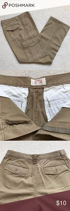 Old Navy Men's Cargo Khakis, W34 L34 Excellent condition khaki pants with side cargo pockets on both legs and four pockets front and back. Size W 34, L 34. Old Navy Pants Chinos & Khakis