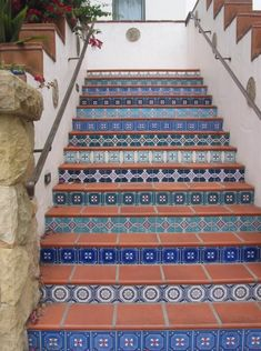 The blue Spanish stairs leading to the Raffour House in Santa Barbara, California is right out of Spanish Architectural Digest! I would love to incorporate this as either bathroom tile or kitchen backsplash to add the Spanish flair to my tiny home. Spanish Style Decor, Spanish Style Homes, Spanish Revival, Spanish House, Spanish Colonial, Tile Stairs, Tiled Staircase, Spanish Villas, Outdoor Stairs
