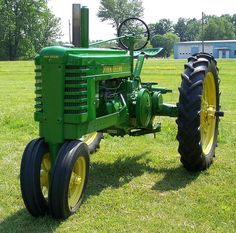 A pretty John Deere - we had one like this when I was little girl growing up on the farm