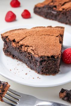 Decadent flourless chocolate cake that tastes just like a fudge brownie!