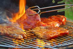 Searching for new barbecue dishes? Whether you are using an indoor or outdoor grill we have a large selection of barbecue recipes for a delicious lunch or dinner! Carne Asada, Grilling Tips, Grilling Recipes, Outdoor Grilling, Baby Beef, South African Braai, Hacks Cocina, Pasta Casera, Barbecue Recipes