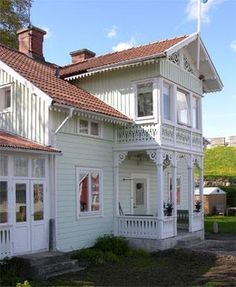 Sweden, i want to live here! Swedish Cottage, Swedish Decor, Swedish Style, Swedish House, Swedish Design, Cozy Cottage, Cottage Homes, Norwegian House, Villa