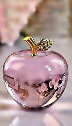 Pink Love, Pretty In Pink, Pink And Gold, Purple, Diamond Wallpaper, Fantasy Art Landscapes, Beautiful Perfume, Glass Artwork, Glass Figurines