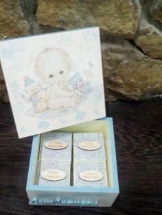 Caixa para lembranças do bébé.