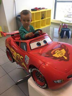 """Sme prvé a zatiaľ stále jediné """"DRIVE IN"""" kaderníctvo na Slovensku! 😂  #hair #hairstyle #haircut #love #kids #boys #cars #mcqueen #smile"""