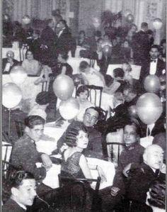 Maksim Gazinosu'nda, 1930'ların başından bir yılbaşı gecesi
