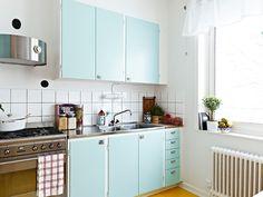 heerlijke keukenkastjes  Lees alles over keukenkastjes verven  http://www.woonstijl.nl/nieuws/keukenkastjes-verven-met-krijtverf_528/