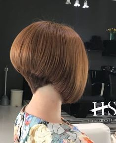 Short Wedge Hairstyles, Stacked Bob Hairstyles, Long Bob Hairstyles, Short Straight Hair, Short Hair Cuts, Short Hair Styles, Shaved Nape, Beautiful Haircuts, Mid Length Hair