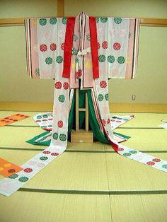 女三宮をイメージして制作された細長(ほそなが)http://kakitutei.gozaru.jp