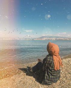 Görüntünün olası içeriği: bir veya daha fazla kişi, gökyüzü, okyanus, açık hava, su ve doğa