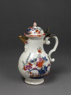 Coffee pot | Meissen porcelain factory | made in Germany in 1735