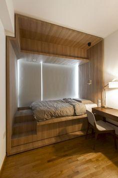 Haughty DIY Wooden Platform Bed Design Ideas - Page 15 of 27 Wooden Platform Bed, Platform Bedroom, Bed Platform, Small Master Bedroom, Home Bedroom, Modern Bedroom, Bedroom Decor, Bedroom Ideas, Bed Ideas
