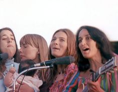 Mama Cass and baby Owen, Joni Mitchell, Judy Collins and Joan Baez at Big Sur (1968)