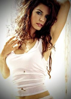 Wallpaper of Shania for fans of Shania Twain 29448503 Hot Country Girls, Southern Girls, Shania Twain Pictures, Celebrity Singers, Hot Brunette, Big Hair, Cropped Tank Top, Hottest Models, Most Beautiful Women