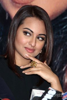 Sonakshi Sinha - Tere mast mast do nain. Seen here an event to promote 'Action Jackson'. #Bollywood #Fashion #Style #Beauty