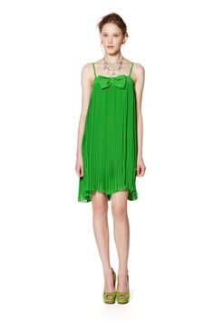 Love the green shoes!  (TWIN-SET Simona Barbieri)