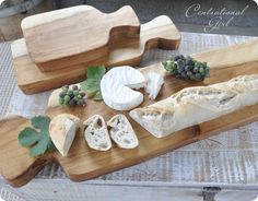 DIY cutting boards - another great Christmas gift idea!