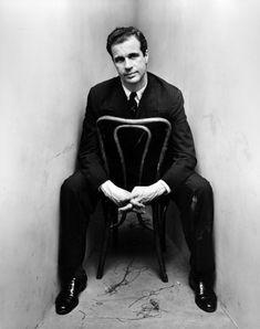 Irving Penn corner portrait, John Hersey, 1948 for Vogue Magazine. Copyright Condé Nast Publications, Inc.