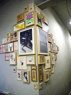 Fun DIY Interior Decorating Projects and Inspiring Recycling Ideas : diy home decor Cadre Photo Diy, Cadre Photo Mural, Diy Photo, Diy Wand, Diy Home Decor Bedroom, Diy Wall Decor, Room Decor, Wall Decorations, Bedroom Wall