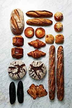 「ゴントランシェリエ東京新宿サザンテラス店」ラインアップ例 Baguette Bread, Bread Shop, Bakery Menu, Rustic Bread, French Bakery, Bread Bun, Artisan Bread, How To Make Bread, Bread Baking