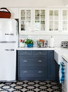 White ceramic subway tile apron sink grey cabinets and for Kitchen design victoria bc