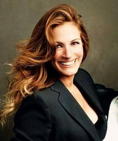 Love her My fav movie is pretty women Hollywood Actresses, Actors & Actresses, Julia Roberts Movies, Beautiful Smile, Beautiful Women, Robert Ri'chard, Erin Brockovich, Richard Gere, Mannequins