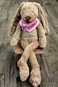 Kuschelhase Karorosa ♥ Herzilein Wien ♥ #herzileinwien Teddy Bear, Animals, Pink, Cuddling, Embroidery, Animales, Animaux, Teddy Bears, Animal