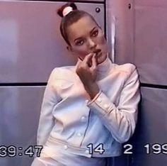 schu-schu:  90s fashion model kate moss video still gucci tom ford