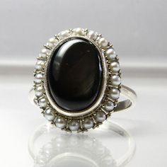 Vintage 14K White Gold Black Star Sapphire by GregDeMarkJewelry