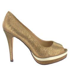 Zapato Peep Toe alto en Dorado con plataforma. Elegancia garantizada. Ref.6282 //High platform Peep Toe in Golden colour. Elegance guaranteed. Ref.6282