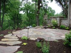 Flagstone Steppers leading to a flagstone patio [Flagstone patio and flagstone path leading to it. Backyard Walkway, Small Backyard Patio, Backyard Landscaping, Flagstone Path, Outdoor Stone, Patio Stone, Brick Patios, Patio Makeover, Concrete Patio