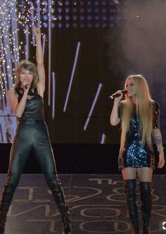 Taylor and Avril during 1989 world tour