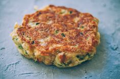 These easy, healthy Gluten-Free Vegan Zucchini Fritters are made with chickpea flour for added nutrition and depth. Packed with the perfect blend of spices, these delightful vegan fritters are beyond DELICIOUS, too! | Gluten Free Zucchini Fritters | Chickpea Flour Fritters | #veganzucchinifritters #glutenfreezucchinifritters Zucchini Breakfast, Vegan Breakfast Recipes, Delicious Vegan Recipes, Zucchini Frittata, Gluten Free Zucchini Fritters, Fresh Salsa Recipe, Squash Fritters, Kefir Recipes, Bean Flour