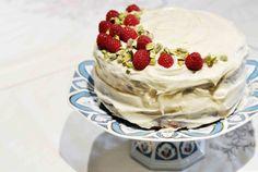 raspberry pistachio cake