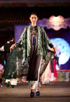 """Minh Hanh. Vietnamese Fashion Designer. Ao Dai """"Oriental Night"""". Festival Hue 2014 Photo: Zuki Nguyen"""