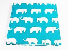 Gästebuch, Elefantenparade in Petrol